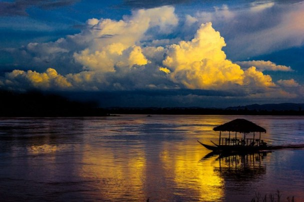 Sunset-in-Mekong-River-1024x683